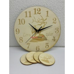 Drevené hodiny s podšálkami 1580